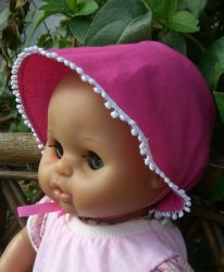 Megkötős kalap játékbabára